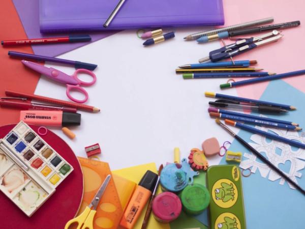 карандаши и краски